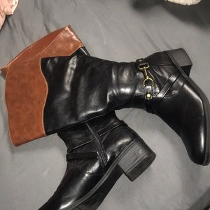 PERFECT CONDITION RAMPAGE BOOTS